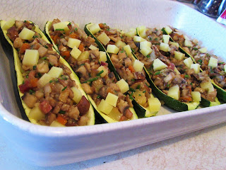 Zucchini stuffed with mushrooms