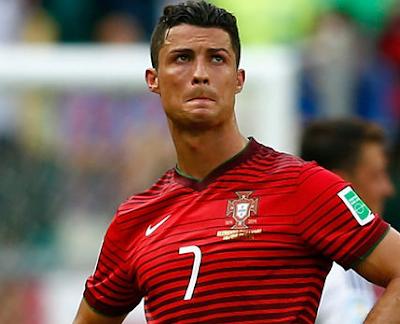 Cristiano Ronaldo Playboy Lapangan Hijau