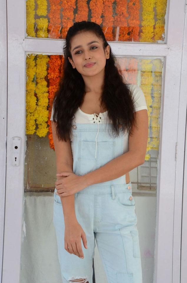 Mishti Chakraborty at Wings Movie Makers Production No 1 Movie Opening