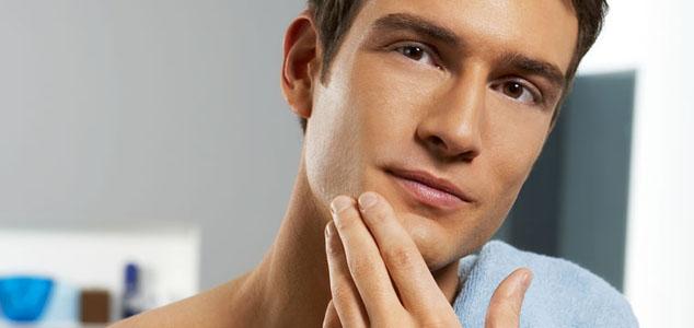 Cara Mengatasi Wajah Berjerawat Pada Pria