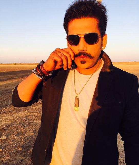 Ravi Kishan wife, movies, daughter, family, bhojpuri, age, video, family photo, actor, film, ka photo, image, date of birth, movie name list, film list, new movie, wife name, house