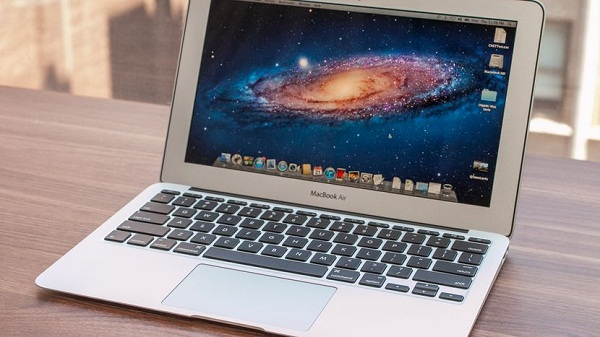Spesifikasi Apple MacBook Air MJVM2 11 inch Silver