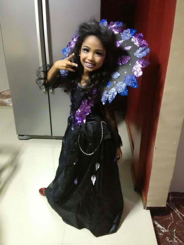 i am very proud of her for winning the best in costume in there hallowen party. Evil Queen beautiful with a beautiful smile.  sc 1 st  Travel with me to the land of dreams and imagination & Travel with me to the land of dreams and imagination: My daughter ...