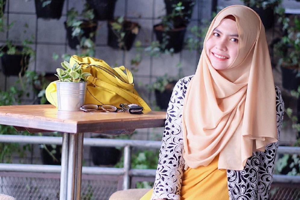 Lima Hijaber Cantik Muda Berpenghasilan Miliaran Rupiah di Indonesia