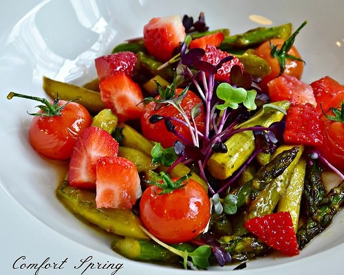 Asparagus & Strawberry Spring Salad