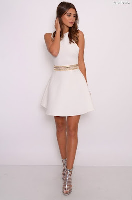 Vestidos blancos y dorados