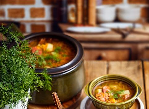 Zupa z młodej kapusty z pikantną kiełbaską