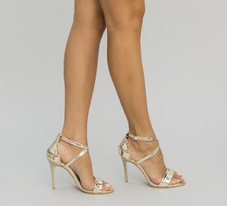 Sandale elegante aurii lacuite cu toc inalt