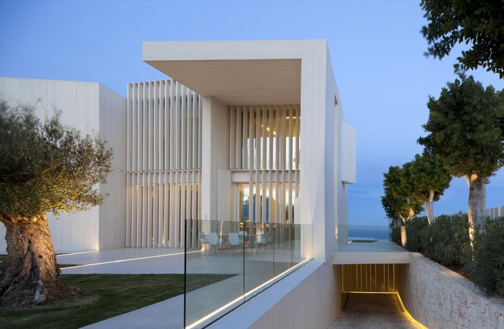 desain villa modern di spanyol dengan