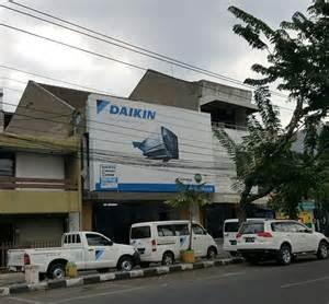 gambar toko ac daikin