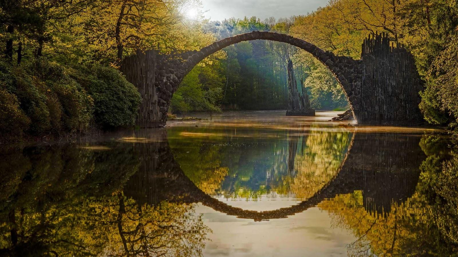 Rakotzbrücke (Rakotz Bridge), Kromlau, Germany Hd Background