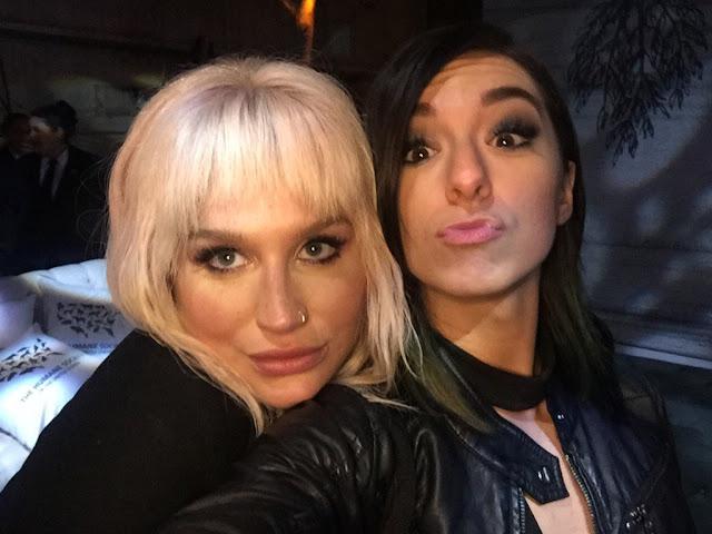 """Kesha está """"en shock y horrorizada"""" por el asesinato de Christina Grimmie."""