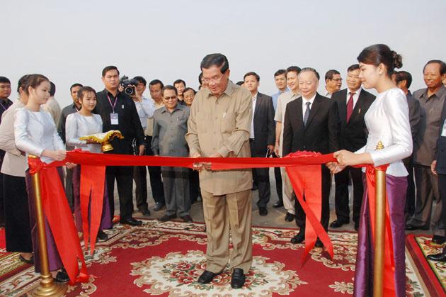 Inauguration de l'Avenue de l'Amitié Phnom Penh-Hanoï
