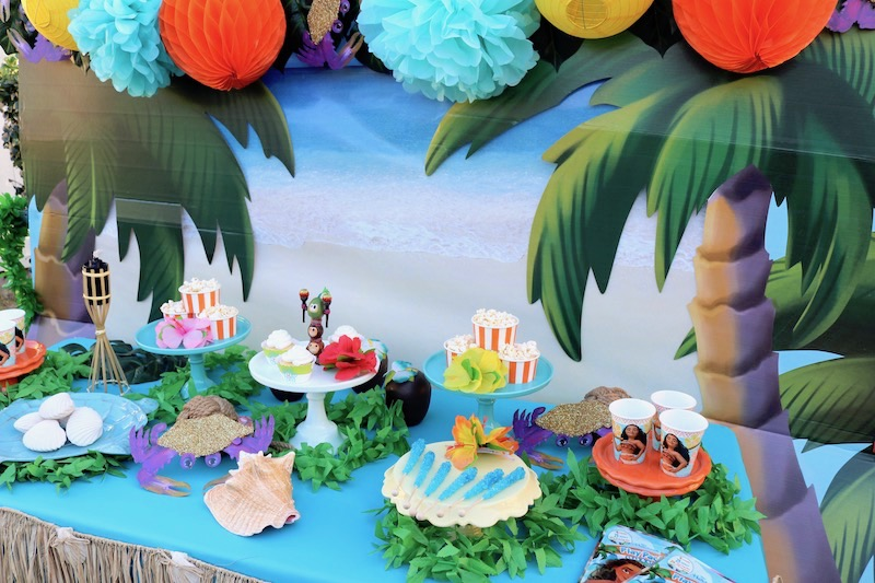 I Then Attached Tropical Leaves Tissue Poms Orange Balls And Crabs That Resembled Tamatoa