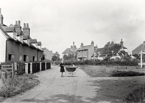 Photograph of Nash's Corner, Welham Green in the 1920s  Image from A Nott / G Knott, part of the Images of North Mymms collection