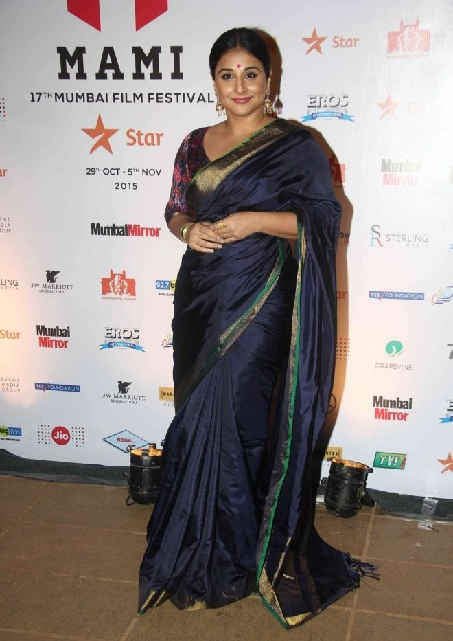 Vidya Balan 2016 Very Hot Hot Photos In Blue Saree