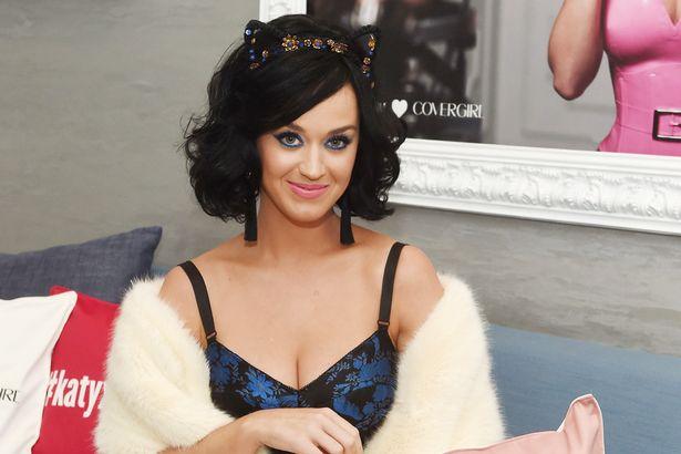 Katy Perry le manda un vídeo mensaje a una niña con enfermedad terminal (VÍDEO)