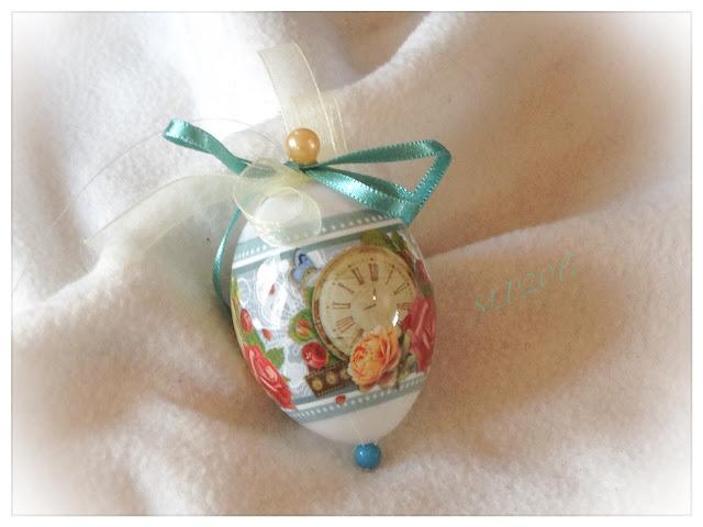 turkoosi DIY pääsiäinen koriste muna