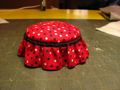 SOMETHING DIFFERENT TO DO? A pouf for you or a pin cushion/box for a friend.