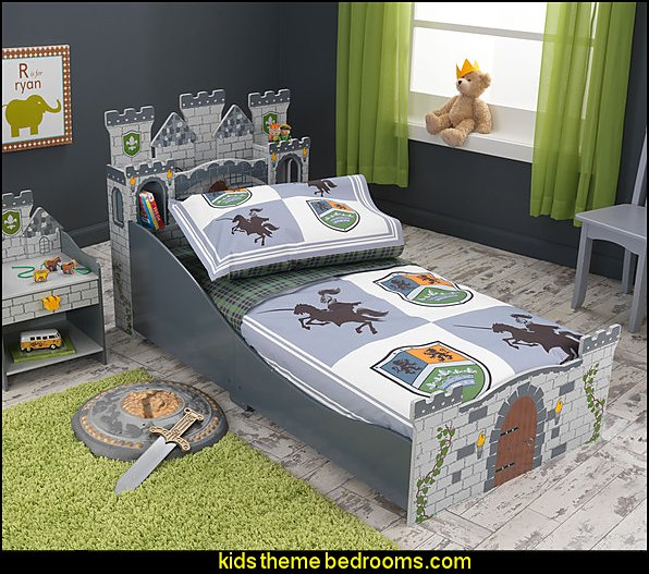 Knights and Shields 4-piece Toddler Bedding Set