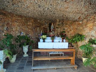 Interior da Gruta do Quartzo, em Cotiporã