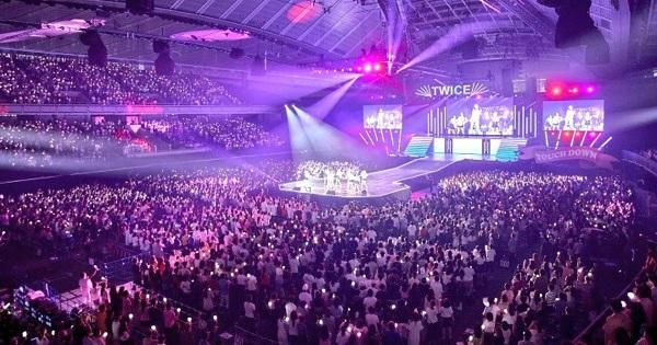 konser debut Twice