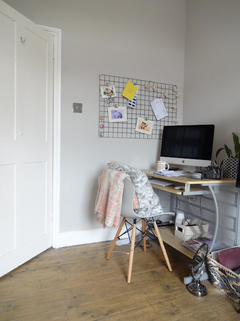 modern home office in cornforth white
