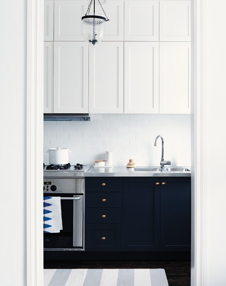 Is Mixing Kitchen Cabinet Finishes Okay Or Not: Loft & Cottage: Mixing It Up With Cabinet Colors