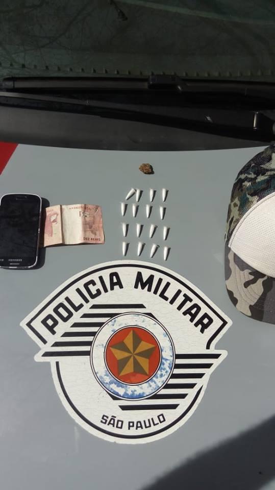 Homem é preso por tráfico de drogas na vila Centenário, em Espírito Santo do Pinhal