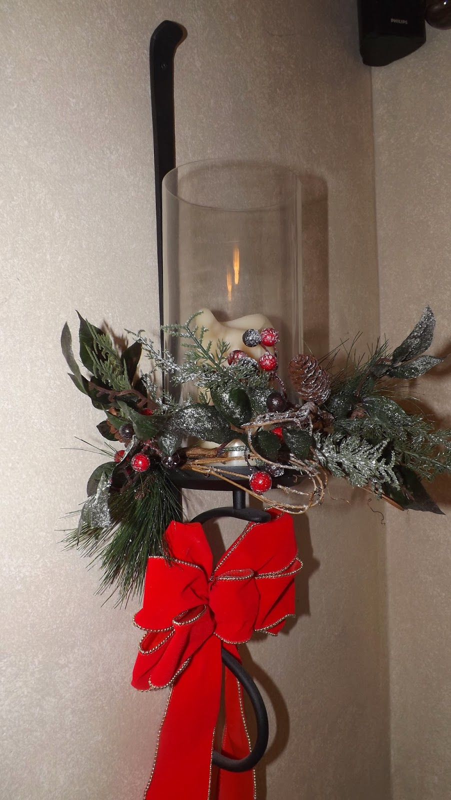 HOME | FOOD | GARDEN: Wall Sconces Decorated for Christmas