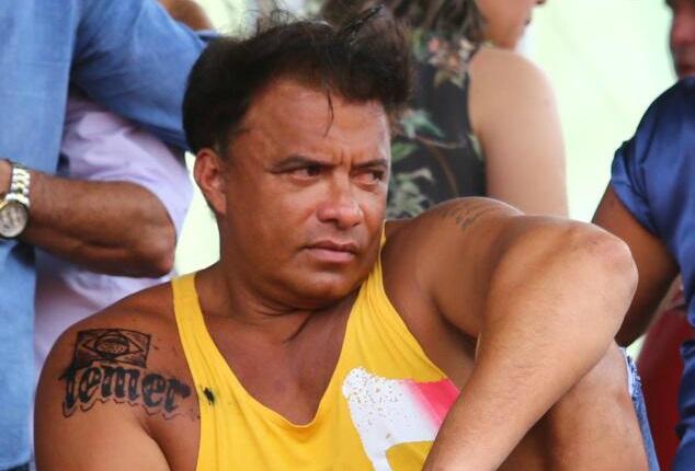 """Após receber R$ 6,6 Milhões em Emendas Deputado AWladimir Costa (SD) tatua """"Temer"""" no peito. Hoje se compra tudo!"""