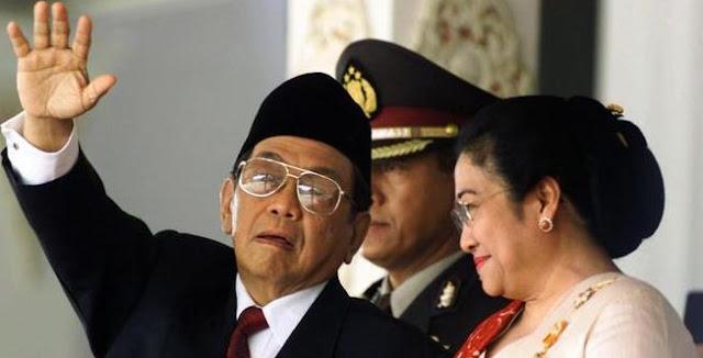 Kondisi Jatuh Bangunnya Pemerintah RI Setelah Lengsernya Presiden Soeharto