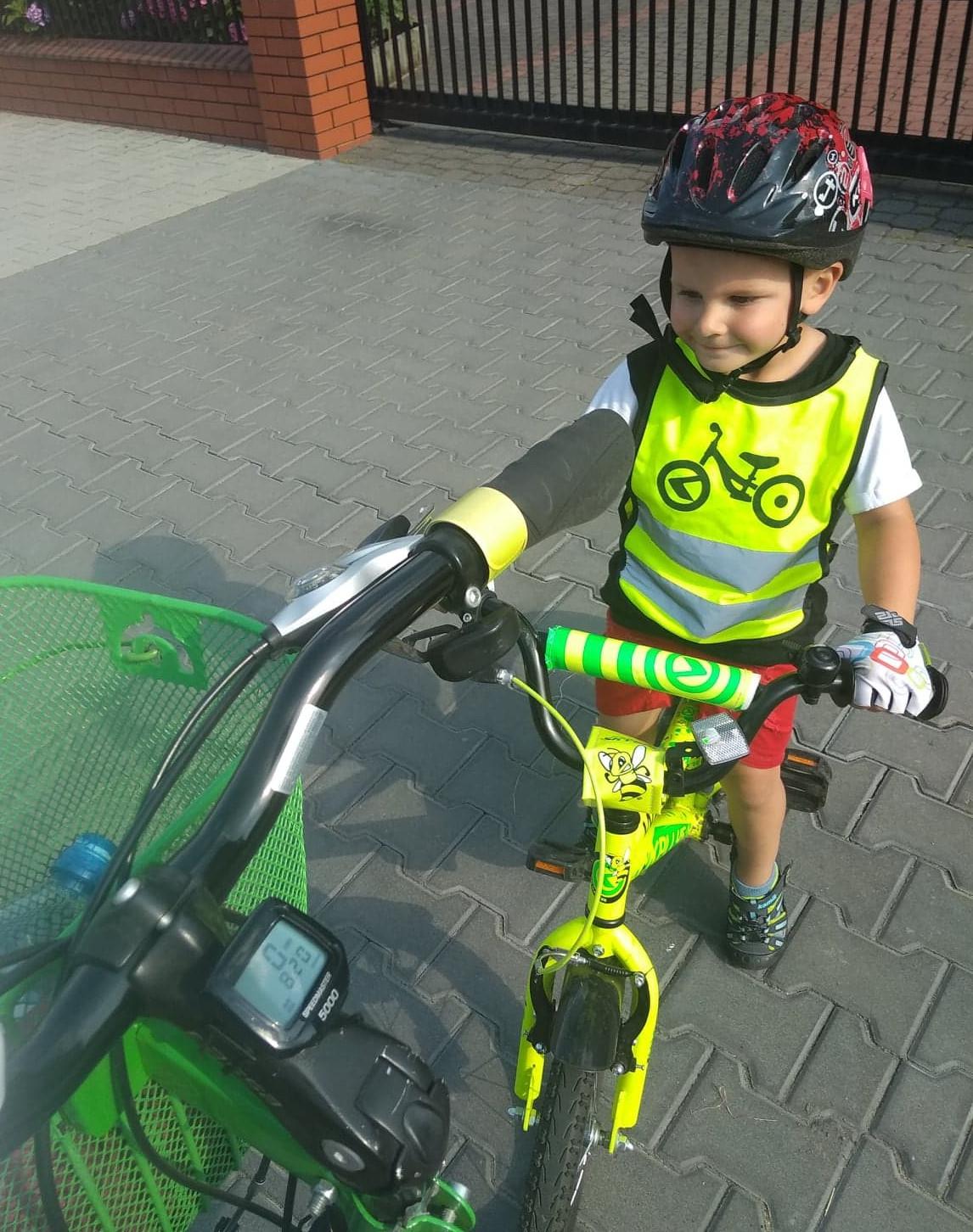 ubiór małego rowerzysty