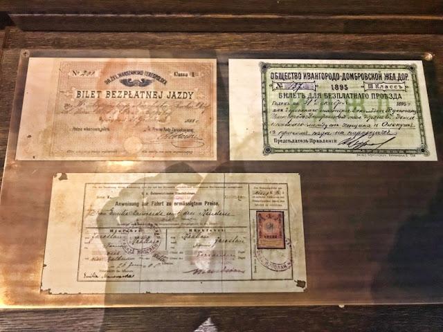 Muzeum Historii Żydów Polskich POLIN w Warszawie: co warto wiedzieć, informacje o biletach, godziny otwarcia, praktyczne informacje, dlaczego warto odwiedzić.