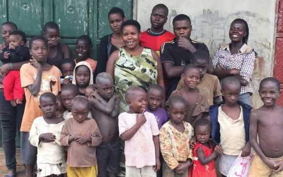 Seorang Ibu Uganda Punya 44 Anak Tanpa Suami, Begini Cara Ia Menghidupi Anaknya?
