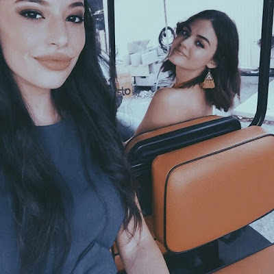 """PLL behind-the-scenes 7x14 """"Power Play"""" Lucy Hale (Aria) and Chloe Bridges (Sydney Driscoll)"""