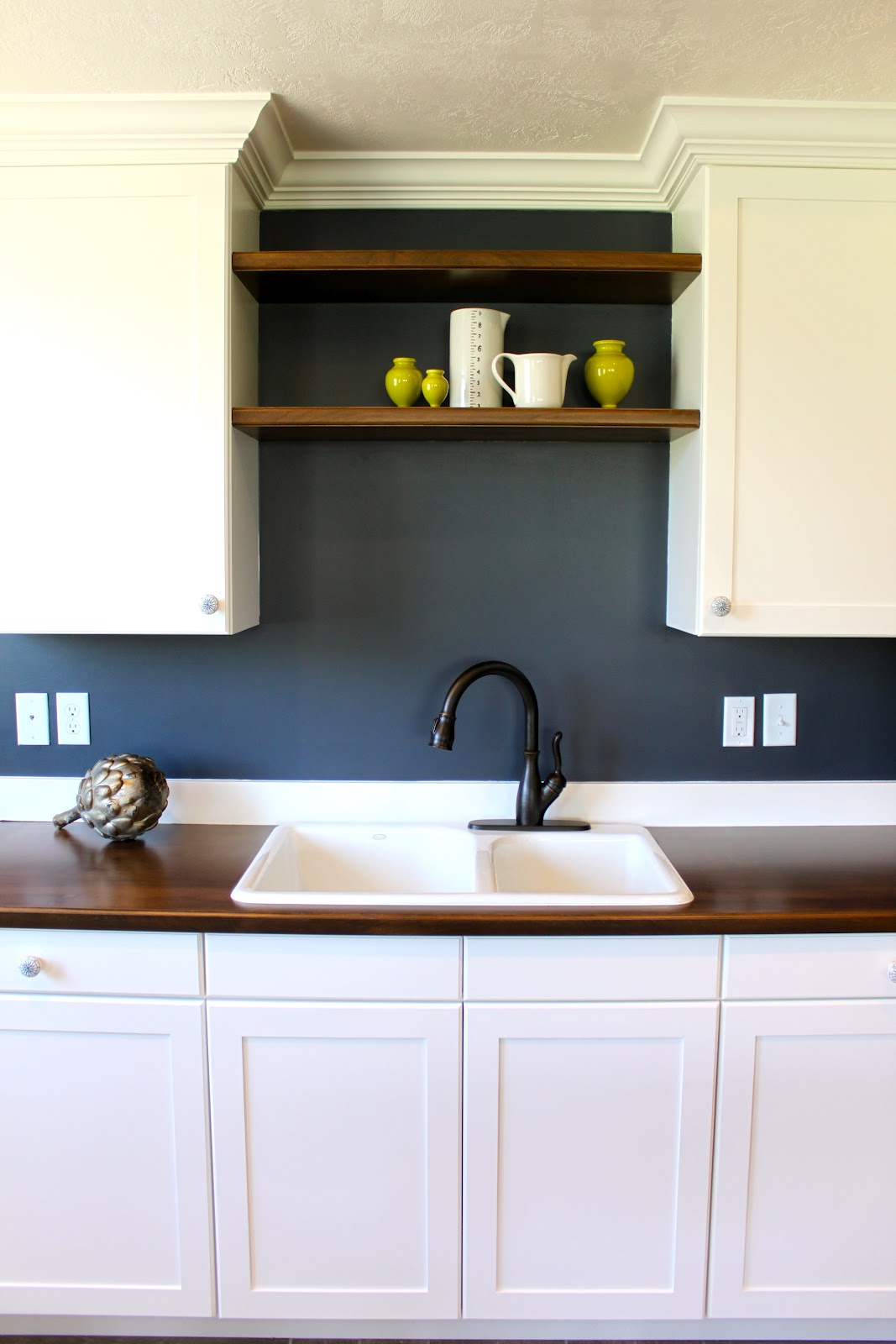 amy 39 s casablanca kitchenette transformation. Black Bedroom Furniture Sets. Home Design Ideas
