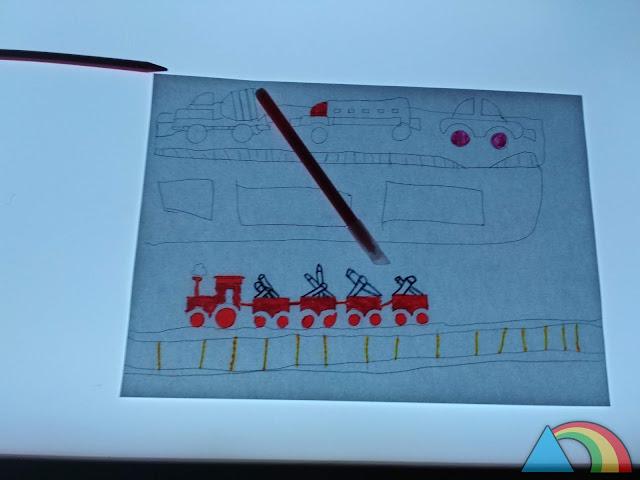 Dibujo sobre mesa de luz