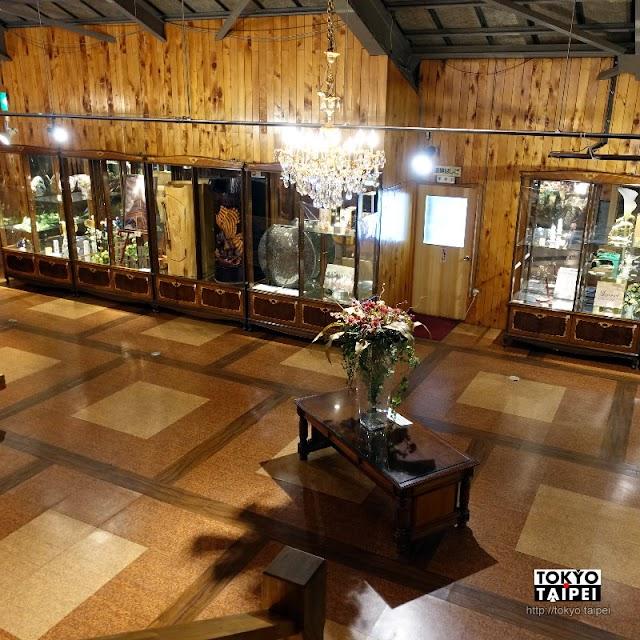 【昭和新山玻璃館】火山旁小賣店 展示來自各國的玻璃飾品