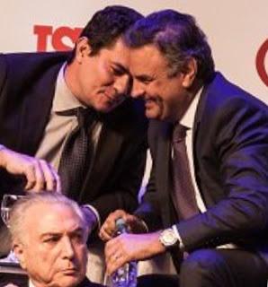 """O Senador Aecio Neves(PSDB/MG) com o Juiz da lava Jato """"implacável"""" contra corrupção Sergio Moro em evento da ISTOÉ"""