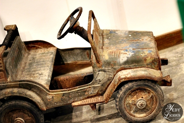 Vintage Car at Beeffalo by Hotrocks
