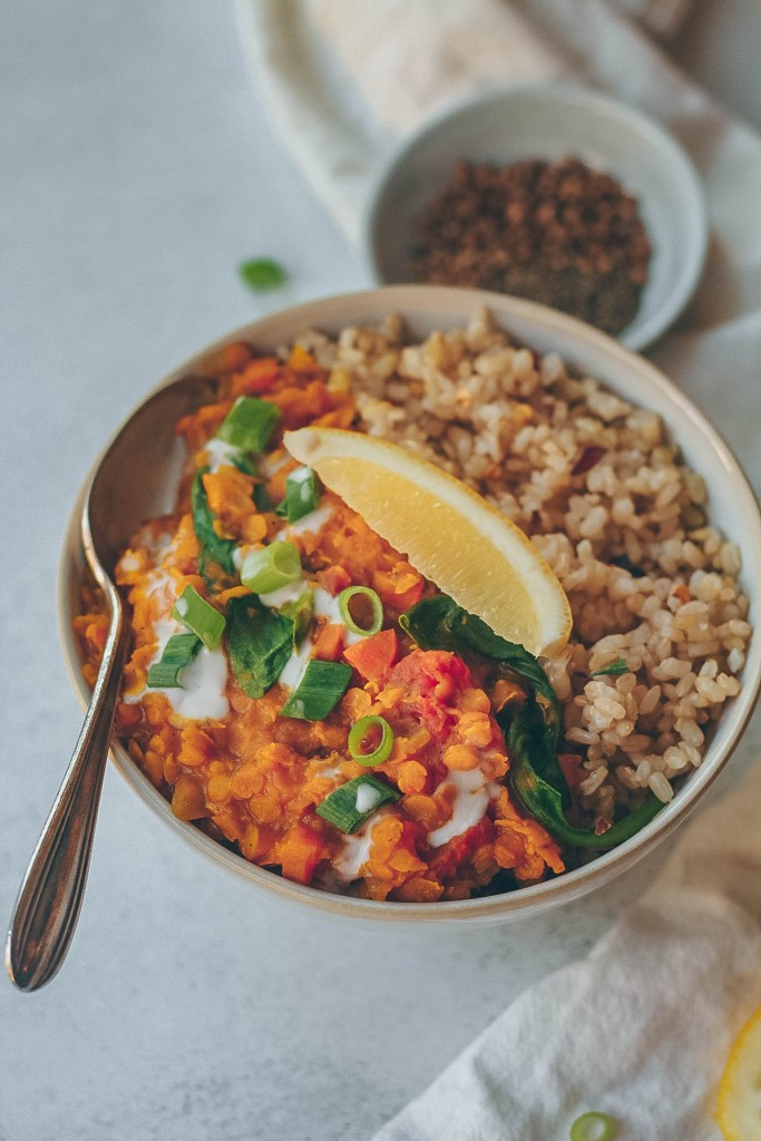 Easy Indian Lentil Dal. Need more recipes? Find 20 Quick Vegan Lunch Recipes Perfect for Easy Meal Prep. vegan easy lunch ideas | easy vegan lunch ideas | vegan recipes healthy lunch | vegan meal ideas | vegan quick lunch #veganlunch #vegan #soup #healthy