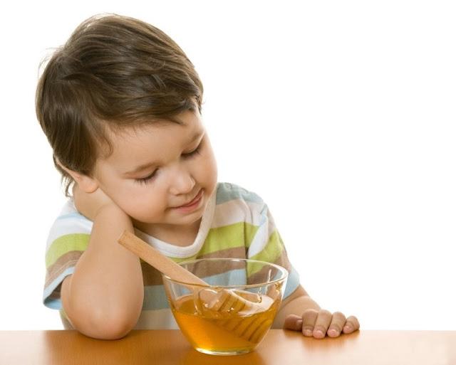 Mengetahui Kebutuhan Serta Pengaruh Nutrisi dan Cairan Pada Bayi