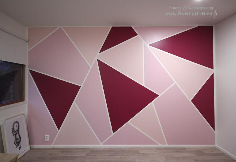 geometriset kuviot maalattuna seinässä