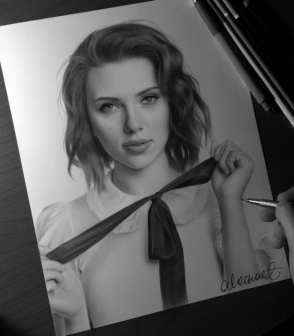 08-Scarlett-Johansson-Alex-Manole-Black-and-White-Hyper-Realistic-Portraits-of-Celebrities-www-designstack-co