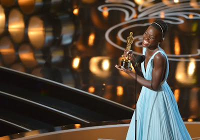 Oscars 2014 Lupita Nyong'o (pour 12 years a Slave)