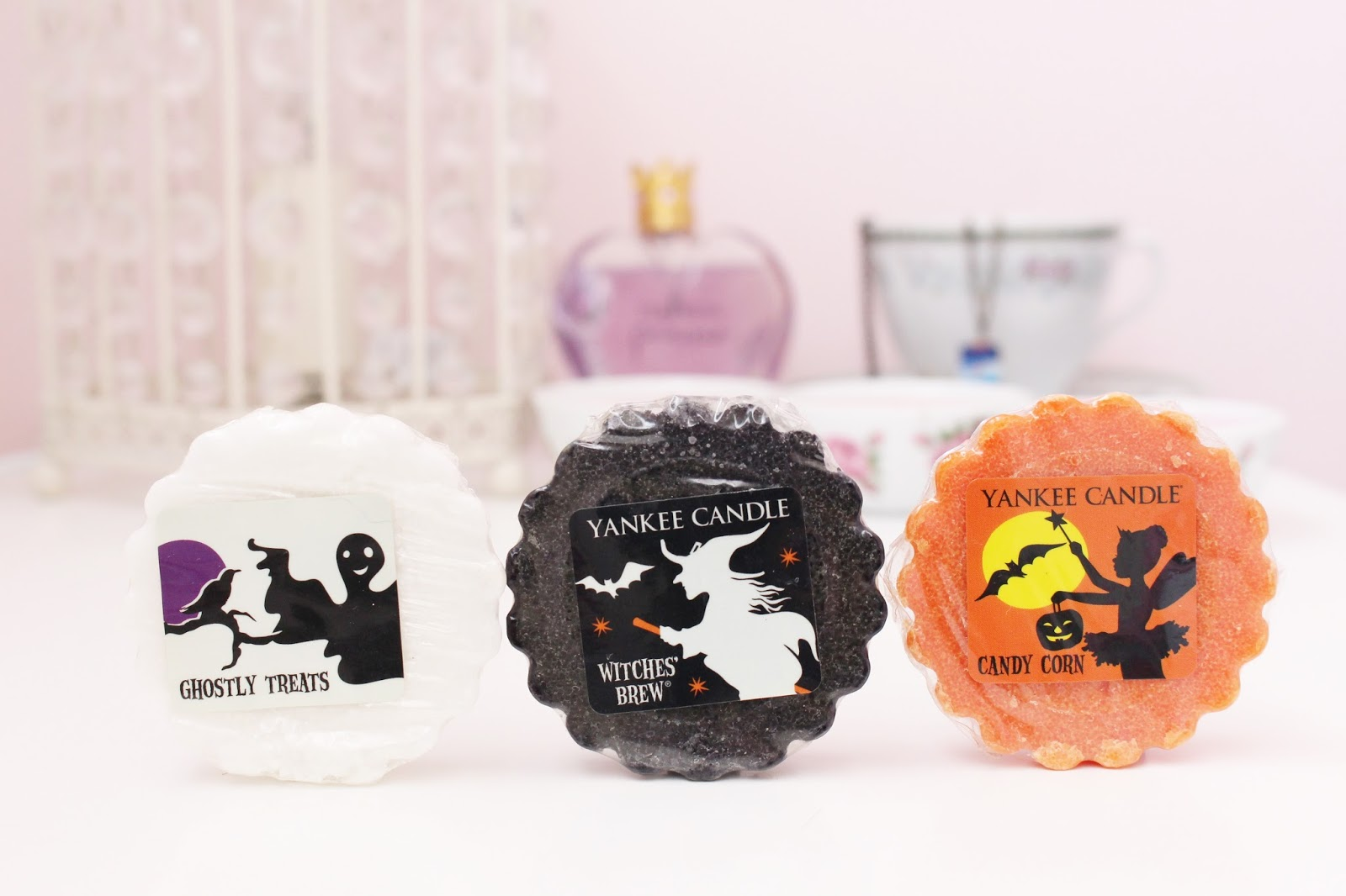 Halloween Yankee Candle Review - Ghostly Treats, Witches Brew and Candy Corn
