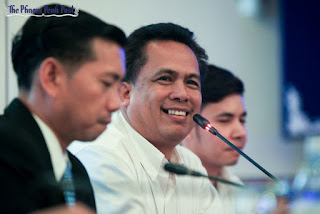 Political activist and organiser of Grassroots Democracy Party, Kem Ley, speaks at a Phnom Penh forum in 2014. Heng Chivoan