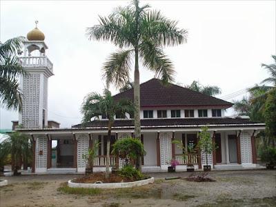 Masjid Mukim Tasik Tualang, Pasir Putih