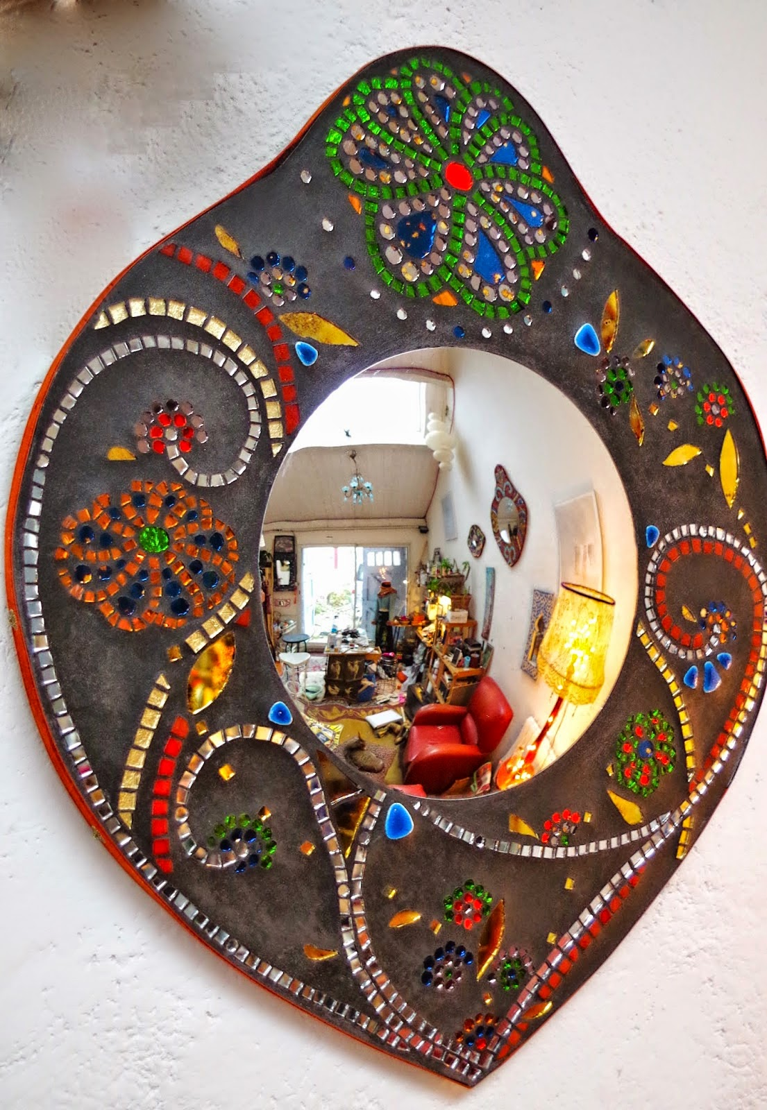 annabel coutou mosaique miroirs de sorci re. Black Bedroom Furniture Sets. Home Design Ideas